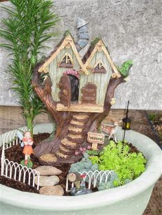 Mini Garden in one of our papercrete pots!