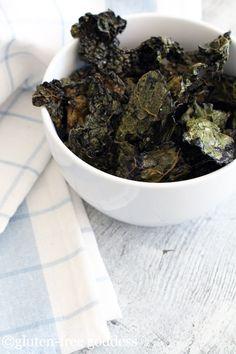 Easy Crispy Kale Chips - eaten them, super yum!!!
