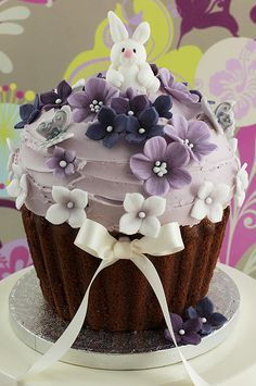 Novelty Cakes   Juliet Stallwood Cakes & Biscuits