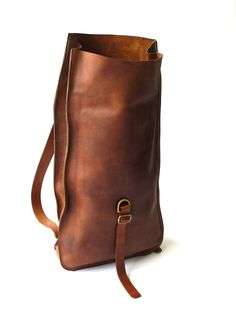 Brown high leather daypack -