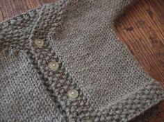 Newborn cardigan. Free knittin