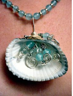 New jewerly making ideas with shells Ideas - new season bijouterie Seashell Jewelry, Seashell Crafts, Beach Jewelry, Sea Glass Jewelry, Glass Earrings, Glass Beads, Wire Wrapped Jewelry, Wire Jewelry, Jewelry Crafts