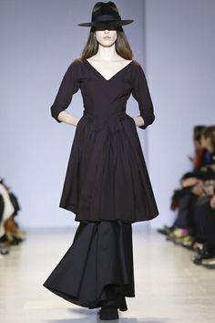 Yang Li Ready To Wear Fall Winter 2014 Paris - NOWFASHION