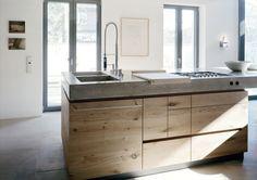 Küche Beton Eiche PJ #interior #einrichtung #dekoration #decoration #living #Küche #modern #kitchen #moderneküche #holz Foto: Wiedemann Werkstätten