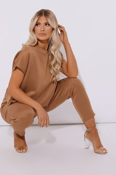 Chill out and relax with In The Style's collection of womens loungewear. Discover this season's hottest loungewear sets online now. Loungewear Set, Oversized Hoodie Dress, Cropped Hoodie, Lounge Pants, Lounge Wear, Ireland, Clothes, Women, Kleding
