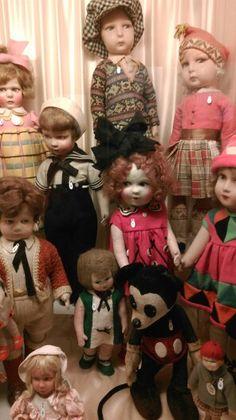 Felt dolls at the Musee de la Poupee in Paris. Heavenly!