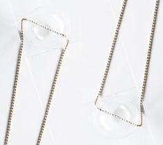 Ketting van: FINE Jewellery. Concept en fotografie door: Rifke Elbers