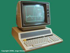 El PC, o personal computer, es el ordenador personal desarrollado desde los años 70 y que permite llevar a cabo las tareas comunes de la informática moderna.