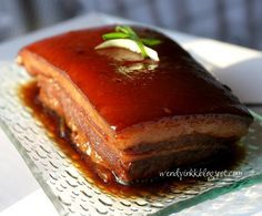 Mike loves pork belly.. any pork belly. So does my mother in law. I only like it if the fat layer melts in the mouth with no fatty smell. ... Pork Belly Bacon Recipe, Pork Belly Recipes, Bacon Recipes, Cooking Recipes, Lamb Recipes, Yummy Recipes, Pork Meat, Beef, Chicharrones