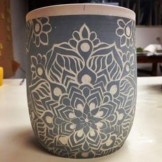 Another #sgraffito pattern I'm playing with. (Sgraffito: n. [to scratch] A form of decoration made by scratching through a surface to reveal a lower layer of a contrasting color, typically done in plaster or stucco on walls, or in slip on ceramics before firing.). Thank you google! ❤️