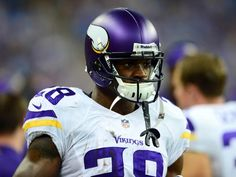 NFL community reacts to death of Adrian Peterson′s son