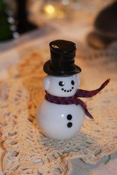 vintage Avon Dapper snowman white black hat by hudathotjewelry, $8.00