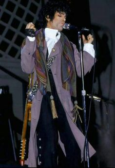 Accgoo Presents : Prince 40 Years in Pictures Prince Images, Pictures Of Prince, The Artist Prince, Paisley Park, Roger Nelson, Prince Rogers Nelson, All Things Purple, Music Icon, Purple Rain