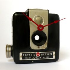 A broken Kodak Brownie Hawkeye camera was given new life.... as a clock. - I like the idea of clock-a-tizing a vintage find that doesn't work.