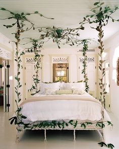 The Most Beautiful Bedrooms From the New Vogue Living Book Beautiful Bedrooms, Bed Design, Bedroom Themes, Romantic Room, Bedroom Design, Stylish Bedroom, Stylish Bedroom Design, Bedroom Vintage, Dream Rooms
