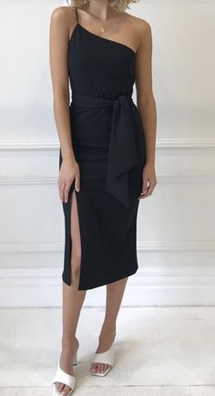 One shoulder black dress Most Beautiful Dresses, Beautiful One, Maxi Wrap Dress, Peplum Dress, Blue Spring Dresses, Bodycon Fashion, Dress Collection, Style Guides, One Shoulder