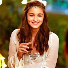 Ladki beautiful kar gyi chull... Alia Bhatt