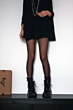 outfits with doc martens \ outfits ; outfits for school ; outfits with leggings ; outfits for school winter ; outfits with black jeans ; outfits with air force ones ; outfits with doc martens ; Dr Martens Fashion, Dr Martens Outfit, Dr Martens Style, Outfits With Doc Martens, Dr Martens Boots, Outfits With Tights, Converse Outfits, Pantyhose Outfits, Mode Outfits