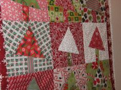 christmas quilts wall hangings | heart quilting: Christmas Tree Wall Hanging