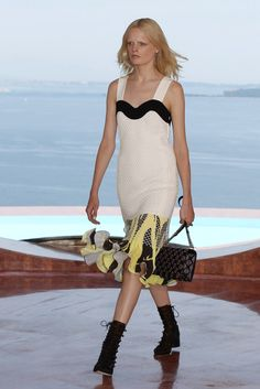 Dior | Cannes | Cruise 2016 - Vogue | Desfiles