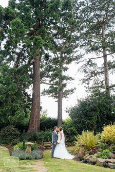 Mythe Barn Wedding Venue Inspiration - www.daffodilwaves.co.uk