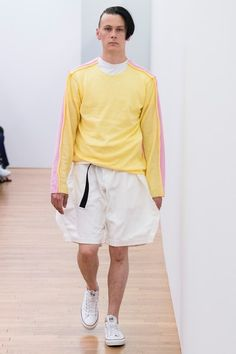 The complete Comme des Garçons Shirt Spring 2018 Menswear fashion show now on Vogue Runway.