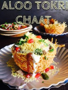 My Tryst With Food And Travel: ALOO TOKRI CHAAT - HIT BY A MAMMOTH BOMB OF FLAVOU...