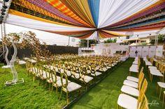 Ghana Traditional Wedding, Ghana Wedding, Wedding Cake Photos, African Countries, Beach Hotels, Beautiful Couple, Dream Wedding, Wedding Decorations, Marriage