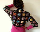 Chauffe-épaules granny au crochet multicolore : Echarpe, foulard, cravate par handmade-chaumont