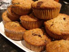 muffins cu banane si ciocolata Muffins, Deserts, Favorite Recipes, Breakfast, Food, Banana, Breakfast Cafe, Essen, Muffin