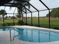 Zadaszenie basenowe chroni wodę