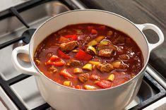 Ungarsk gulasj | Oppskrift - MatPrat Goulash, Food Inspiration, Stew, Chili, Nom Nom, Main Dishes, Food And Drink, Lunch, Dinner