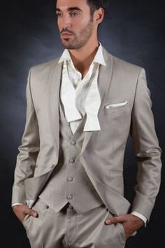 Louis Purple - Formal Suit - Ideal For A Groom Wedding Dress Men, Wedding Wear, Wedding Suits, Mens Clothing Styles, Clothing Items, Costume Beige, Style Costume Homme, Light Grey Suits, Formal Suits