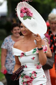 Best dressed racegoers from Royal Ascot 2018 - see who wowed in the style stakes - Mirror Online Ascot Outfits, Ascot Dresses, Derby Outfits, Fashion Dresses, Dress Hats, Kentucky Derby Outfit, Kentucky Derby Fashion, Derby Attire, Race Day Fashion