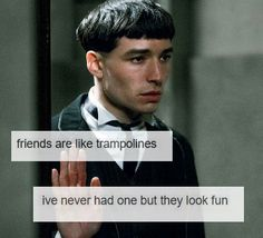Ohh, so sad, poor credance Harry Potter Memes, Harry Potter World, Slytherin, Hogwarts, Credence Barebone, Friends Are Like, Fantastic Beasts And Where, Harry Potter Universal, Mischief Managed
