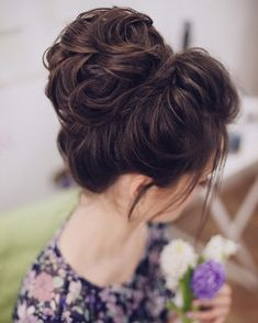36 Messy Wedding Hair Updos For A Gorgeous Rustic Country Wedding To Chic Urban Wedding - Finding the perfect wedding hairstyle isn't always easy. Messy Wedding Hair, Braided Hairstyles For Wedding, Wedding Hair And Makeup, Messy Hairstyles, Hair Makeup, Bridal Hairstyle, Updo Hairstyle, Bob Hair, Curly Hair Updo