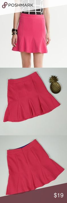 Banana Republic Tulip Skirt Fully lined hot pink tulip skirt from Banana Republic. Skirt has minor mark on back near waist band. Laying flat and unstreched, skirt measures approximately 16 inches across the waist, 20 inches across the hips, and 19 inches long. Banana Republic Skirts Circle & Skater