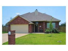 New lease listing!  Check out this 5 bedroom/3 bath home in south College Station!