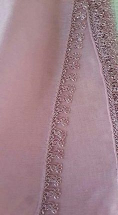 30 Elegant Embroidered Needle Lace Patterns on Writing Lace Edge - Thoughts & Ideas & Suggestions Filet Crochet, Crochet Lace Edging, Crochet Borders, Embroidery Stitches, Embroidery Patterns, Hand Embroidery, Viking Tattoo Design, Viking Tattoos, Crochet Unique
