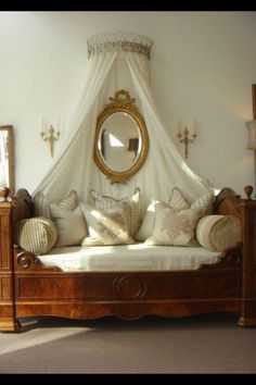 Love  this French Daybed