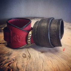 Bespoke bracelet vintage leather and antik brass buckle.
