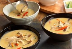 What makes this soup taste so good? Fresh veggies, ginger-flavored broth and coconut milk. Plus, it's ready after just 15 minutes on the stove.