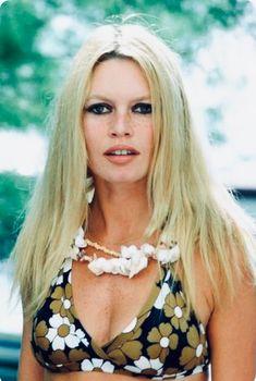 A George Vreeland Hill pin. Brigitte Bardot, Bridget Bardot, Bardot Hair, Beautiful Film, Gorgeous Women, Celebrity Faces, Old Movie Stars, Classic Actresses, Actor Model