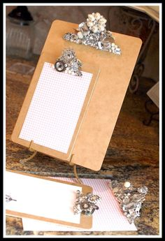 Add jewels to bling out a clipboard)Teresa Collins Blingage Clipboards) Crafts To Make, Fun Crafts, Arts And Crafts, Paper Crafts, Craft Projects, Projects To Try, Craft Ideas, Teresa Collins, Diy Organisation