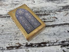 Vintage-Florentine-Cathedral-Stained-Glass-Window-Wooden-Italy-Italian-Gold-Box