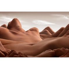Valley of the reclining women, Carl Warner, 2013 #Photography #Surrealism…