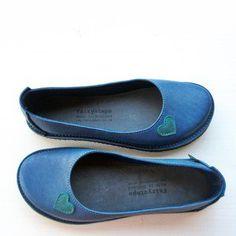 EDITH lovehearts, Chelsea Blue, Damselfly http://www.fairysteps.co.uk/product/edith-lovehearts-chesterfield-powder-blue
