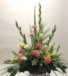 Beautiful Gladiolus Flower Arrangements For Home Decorations 6 - DecOMG Gladiolus Arrangements, Funeral Floral Arrangements, Church Flower Arrangements, Altar Flowers, Church Flowers, Funeral Flowers, Wedding Flowers, Carnation Wedding, Arte Floral