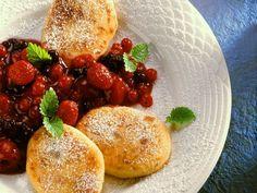 Quarkkeulchen mit Roter Grütze ist ein Rezept mit frischen Zutaten aus der Kategorie Gemüse. Probieren Sie dieses und weitere Rezepte von EAT SMARTER!