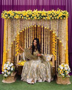 Wedding Backdrop Design, Desi Wedding Decor, Luxury Wedding Decor, Wedding Mandap, Wedding Stage Decorations, Wedding Ceremony, Mehendi Decor Ideas, Mehndi Decor, Traditional Wedding Decor